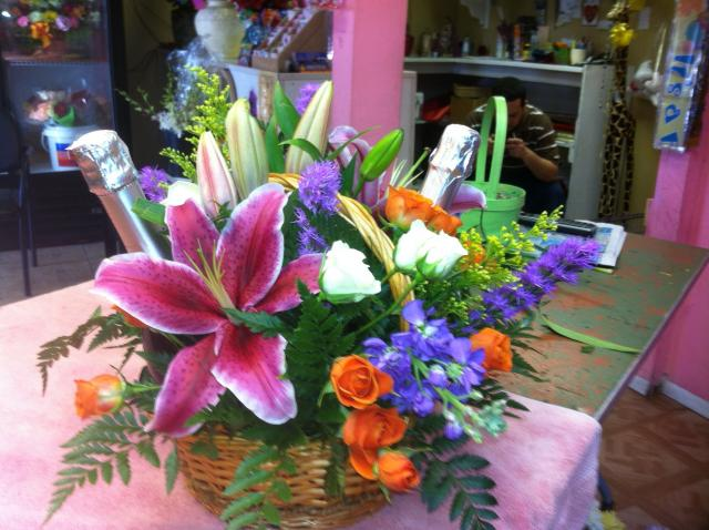 gladys_and_miguel_flowers_018.JPG